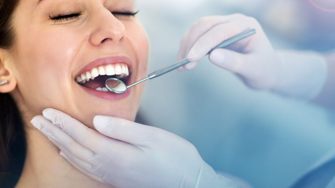 Falta de higiene bucal pode agravar doenças crônicas