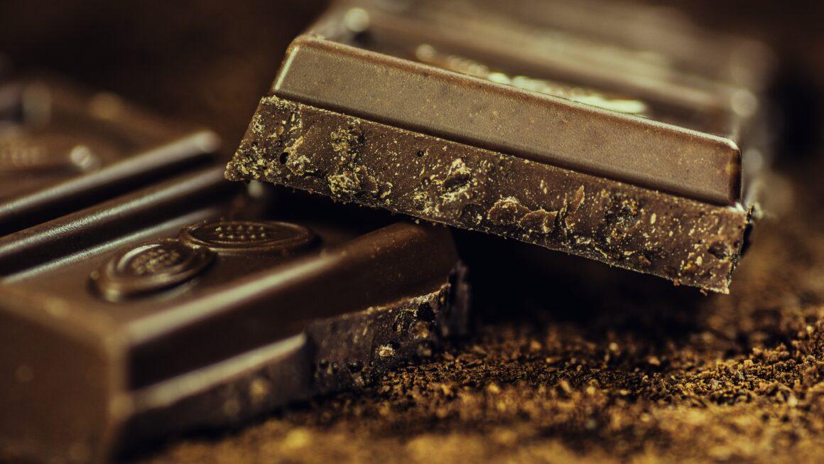 Chocolates são doces. Será que podem prejudicar os dentes?